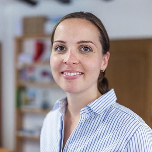 Frau Polina Zumbé